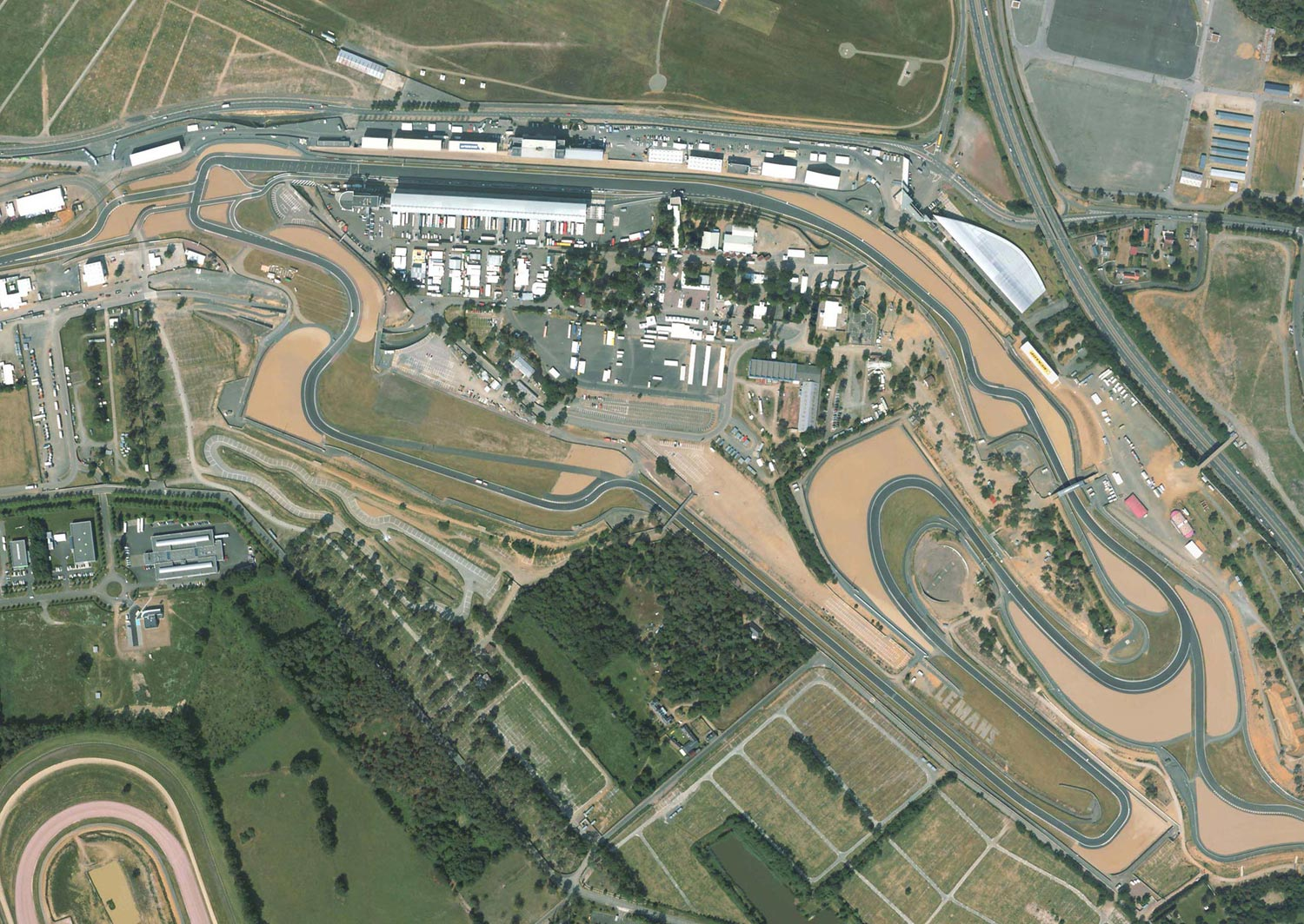 air picture from the bugatti circuit from le mans. Black Bedroom Furniture Sets. Home Design Ideas